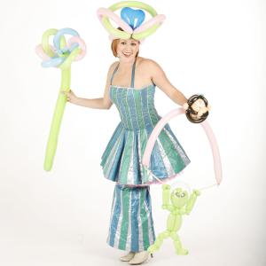 Balloon modeller - flower, hat and alien puppet